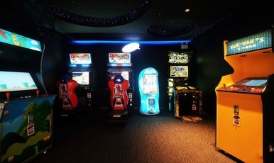 Arcades & Other Machines
