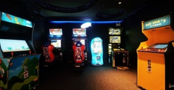 click to see arcade game machines
